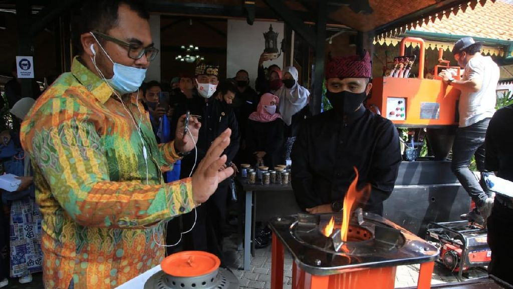 Banyuwangi Kolaborasi Program Pengolahan Sampah di Desa dan Destinasi Wisata