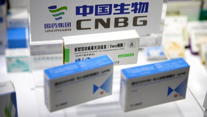China memamerkan vaksin Corona untuk pertama kali di China International Fair for Trade in Services. Kandidat vaksin Corona yang dipamerkan merupakan produksi perusahaan China Sinovac Biotech dan Sinopharm.