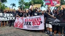 Potret Pendukung Jerinx Demo Tanpa Jaga Jarak