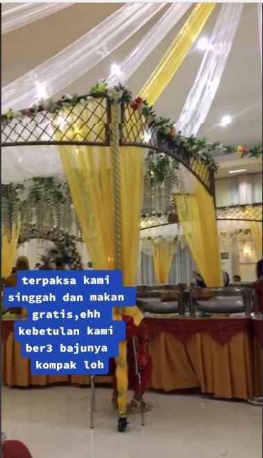 Makan di Pesta Pernikahan Tanpa Diundang