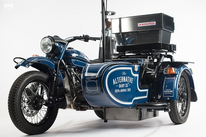 Modifikasi motor Ural jadi kafe keliling