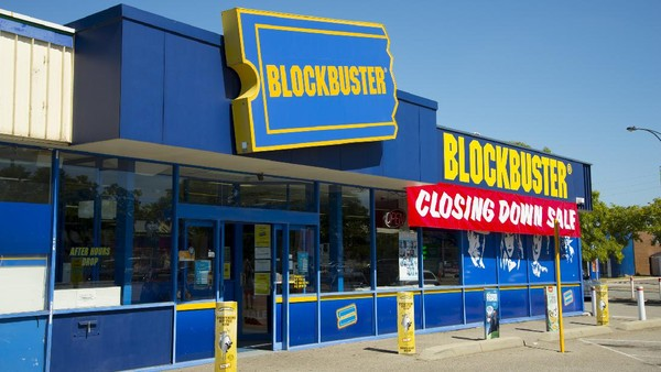Blockbuster identik dengan film laris yang sukses, terkenal dan ditonton banyak orang. Namun sebenarnya, Blockbuster adalah sebuah merk dagang tempat rental film dan video game terkenal yang berbasis di Amerika Serikat. (Getty Images/Photon-Photos)