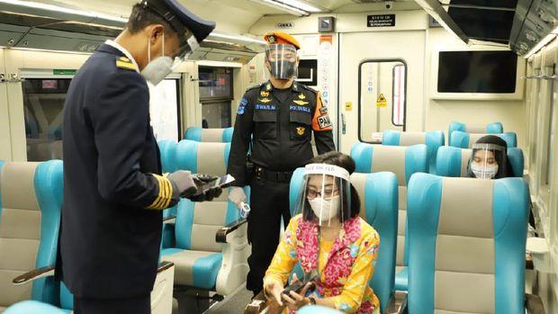 protokol kesehatan di kereta api