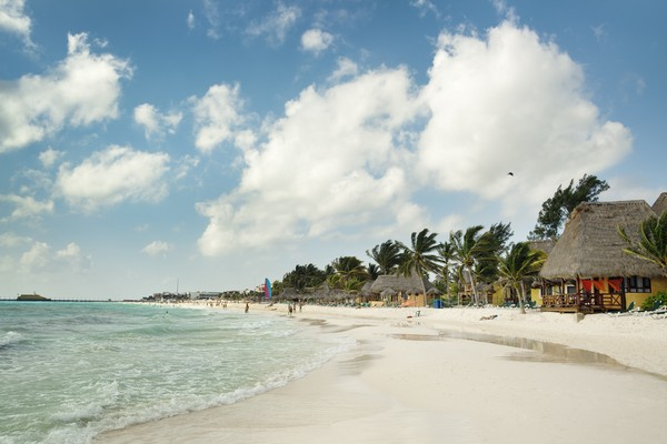 Meksiko selalu menjadi destinasi internasional paling mudah dijangkau bagi warga Amerika dengan kawasan wisata populer seperti Los Cabos dan Riviera Maya. Sebanyak 1.722.360 orang melakukan penelusuran untuk Meksiko. ( Getty Images/YinYang)