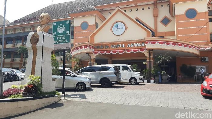 Sebanyak 8 pasangan calon (Paslon) kepala dan wakil kepala daerah menjalani tes kesehatan di RS dr Saiful Anwar (RSSA) Kota Malang.