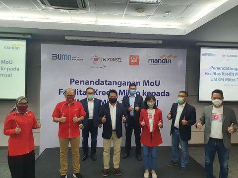 Sebagai upaya mendorong pertumbuhan bisnis pelaku UMKM, Telkomsel bersama Bank Mandiri dan LinkAja sepakat berkolaborasi dalam mengembangkan sektor UMKM di seluruh wilayah di Indonesia.