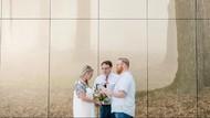 Pasangan Ini Menikah di Bandara Sebelum Berangkat Bulan Madu
