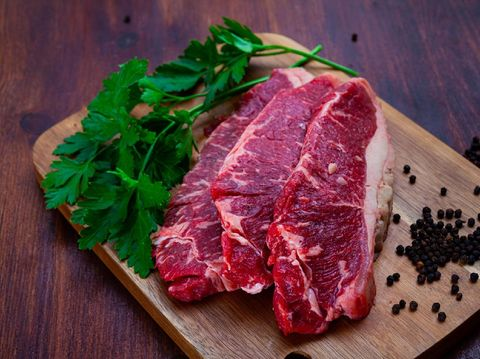 Daging Sapi Lada Hitam dan Brokoli