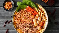 Dragon Hot Pot, Kombinasi Kuah Ma La Tang dan Ratusan Pilihan Topping