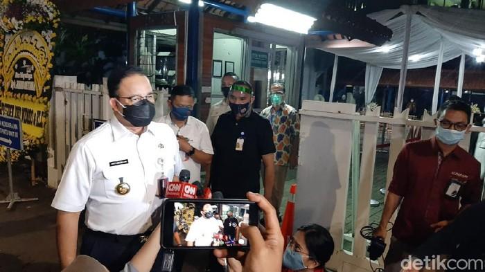Gubernur DKI Jakarta Anies Baswedan melayat mendiang Jakob Oetama