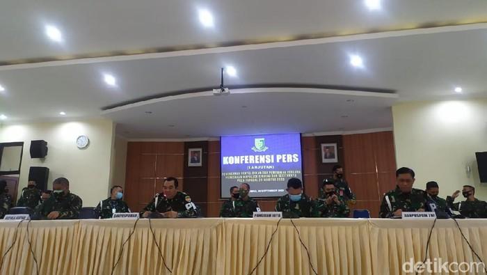 Konferensi pers kasus penyerangan polsek Ciracas