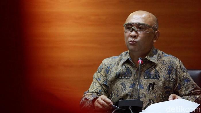 MenkopUKM Teten Masduki bertemu dengan pimpinan KPK. Pertemuan itu membahas perkembangan penyaluran bantuan untuk UMKM agar dapat bertahan di tengah pandemi.