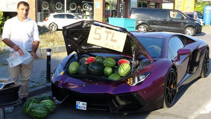 Jual Semangka Pakai Lamborghini