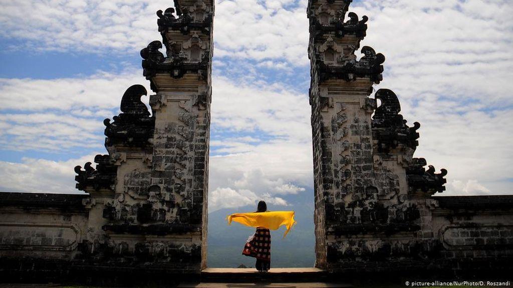 Covid-19 di Bali Meningkat, Luhut Batasi Kunjungan Turis
