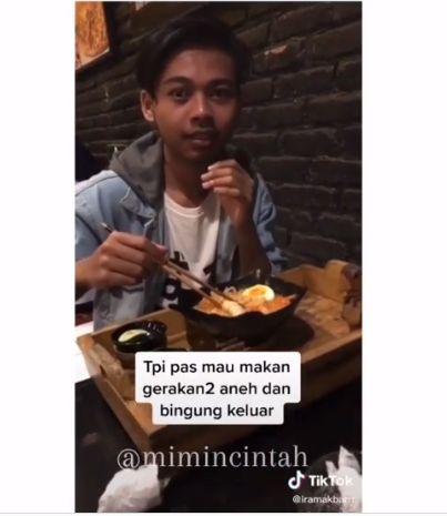 Netizen ini browsing cara pakai sumpit