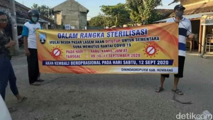 Pengumuman penutupan Pasar Lasem Rembang untuk disinfeksi
