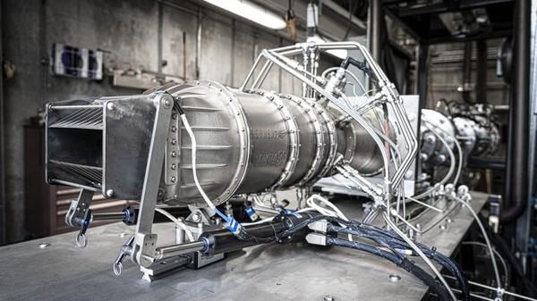 Hermeus berhasil menguji prototipe mesin jet berkecepatan Mach 5 pada Februari tahun ini, itu setelah mendesainnya lagi dari awal.Para pendiri Hermeus termasuk mantan karyawan dari SpaceX milik Elon Musk, dan Blue Origin milik Jeff Bezos.