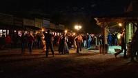 Dibuat secara sementara untuk Halloween, kota bertajuk Terror Town tersebut akan membuat traveler kembali ke masa lampau bak di film cowboy. Di kota tersebut, kamu bisa menjumpai warga, sheriff sampai ikut dalam berbagai kegiatan menarik seperti lempar kapak dan menghancurkan otak. Hii! (dok Terror Town)