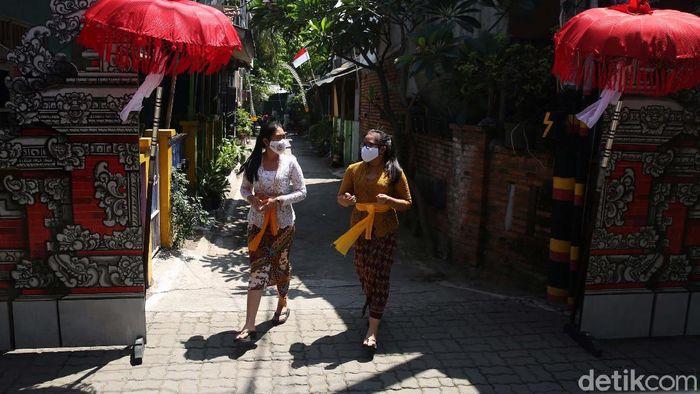 Bekasi punya destinasi wisata baru bernama Kampung Bali. Semua yang ada di area wisata itu identik dengan adat istiadat, budaya, dan keseharian  masyarakat Bali.