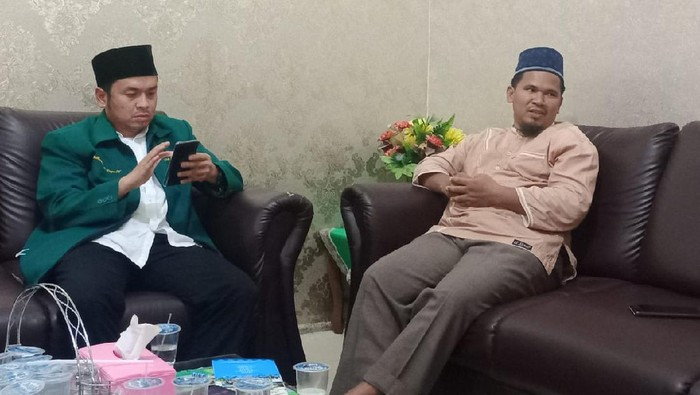 Abang Ipar Muyyassaroh, Abdul Rahman (Kanan)/Ahmad Arfah-detikcom