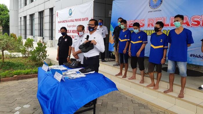 BNN Banten tangkap 4 kurir sabu.