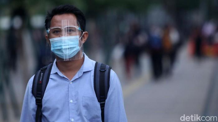 Pemprov DKI Jakarta kembali terapkan PSBB ketat guna tekan kasus COVID-19 di Ibu Kota. Lalu, bagaimana nasib para pegawai di Jakarta bila PSBB ketat diterapkan?