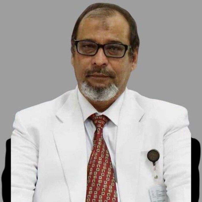 Dr Machmud SpBS meninggal setelah positif COVID-19. Ia merupakan ahli bedah syaraf di RSUD Gambiran, Kota Kediri.