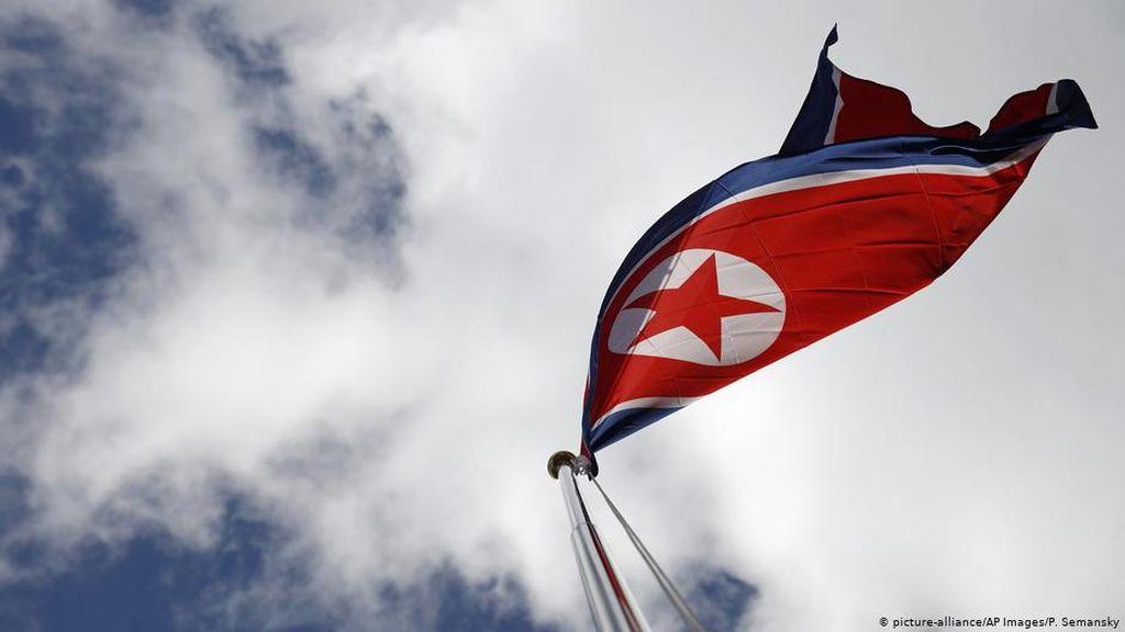 Kala Cinta Tak Memandang Ideologi, Komunis-Kapitalis Jalin Bahtera Rumah Tangga