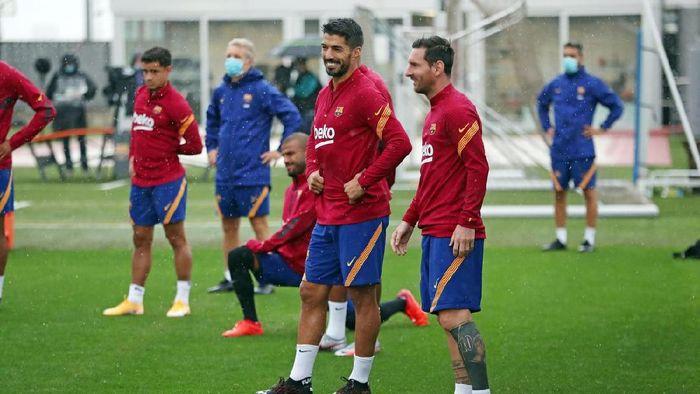 Lionel Messi dan Luis Suarez dalam latihan di markas Barcelona, Rabu (9/9/2020).