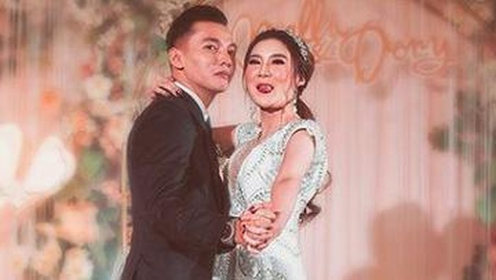 Nella Kharisma dan Dory Harsa sudah menikah