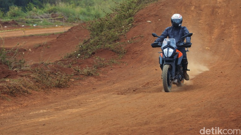 Ototest KTM 390 Adventure
