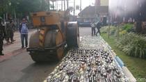 Ribuan Botol Miras Dimusnahkan di Tulungagung