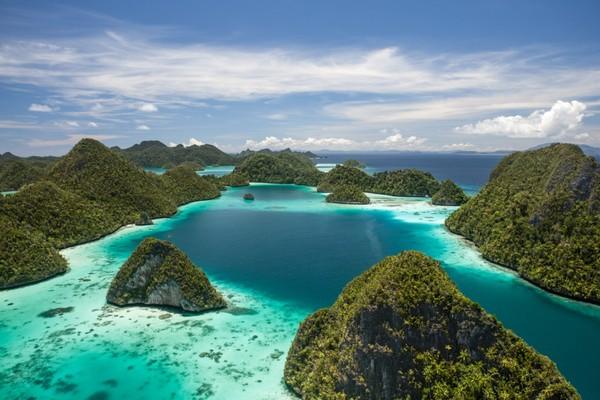 Lihatlah, bagaimana Tuhan melukis keindahan daerah Timur ini (Shutterstock)