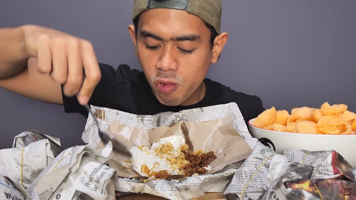 Tanboy Kun Sarapan 4 Bungkus Nasi Padang hingga 10 Bungkus Nasi Uduk