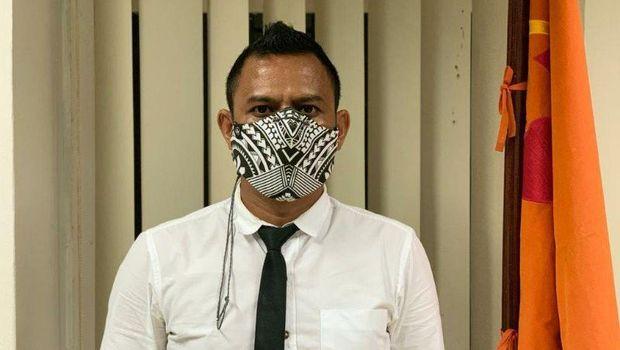 Anggota Komisioner Bawaslu Provinsi Papua Ronald Manoach (ANTARA News Papua/Hendrina Dian Kandipi)