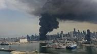 Kebakaran Besar di Pelabuhan Beirut Bikin Panik Warga Lebanon