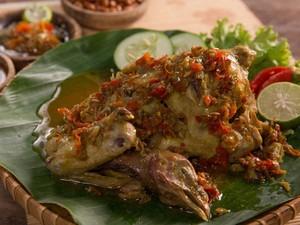 Resep Ayam Betutu Khas Bali yang Pedas Sedap