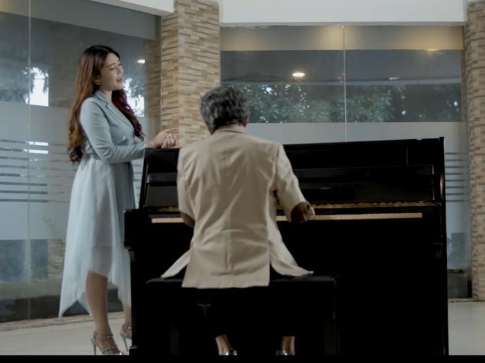 Duet Rhoma Irama dan Via Vallen di lagu Cuma Kamu.