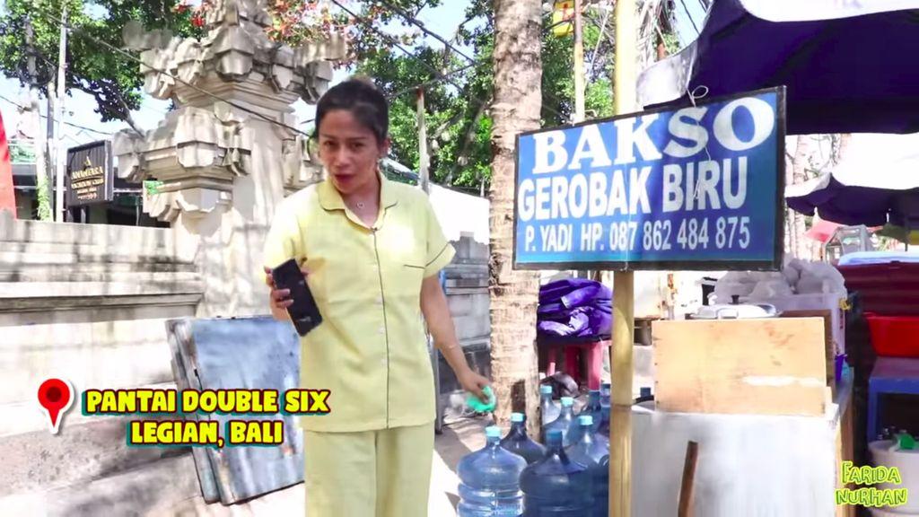 Bakso gerobakan halal di Bali, Bakso Gerobak Biru