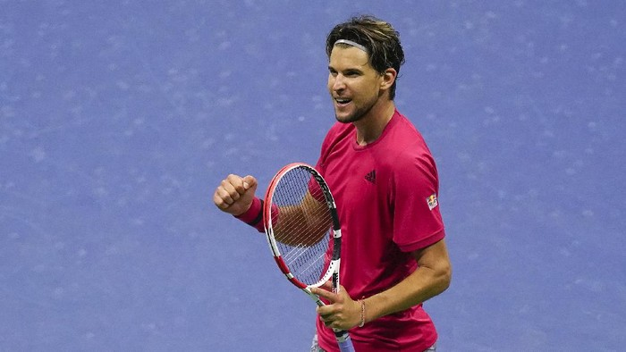 Dominic Thiem, of Austria, reacts after defeating Daniil Medvedev, of Russia, during a mens semifinal match of the US Open tennis championships, Friday, Sept. 11, 2020, in New York. (AP Photo/Seth Wenig)