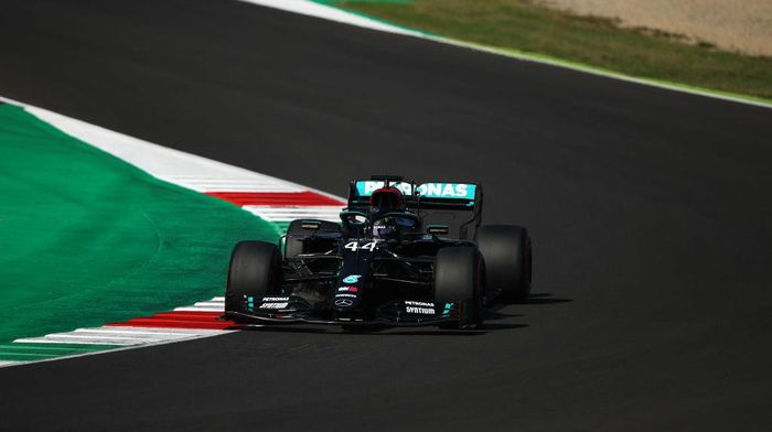 SCARPERIA, ITALY - SEPTEMBER 12: Lewis Hamilton of Great Britain driving the (44) Mercedes AMG Petronas F1 Team Mercedes W11 on track during qualifying for the F1 Grand Prix of Tuscany at Mugello Circuit on September 12, 2020 in Scarperia, Italy. (Photo by Bryn Lennon/Getty Images)
