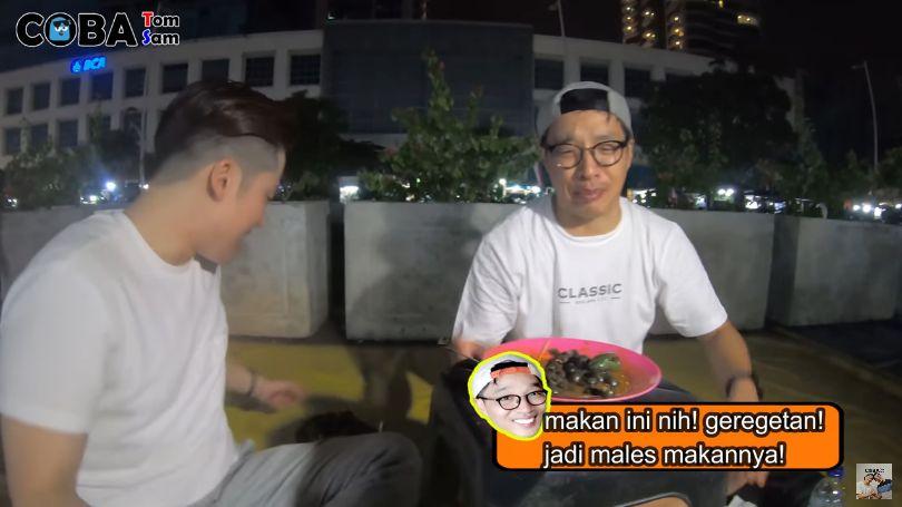 Orang Korea Cobain Tutut