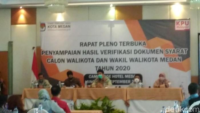 Ketua KPU Medan, Agussyah Ramadani Damanik usai rapat pleno terbuka (Datuk Haris Molana/detikcom)