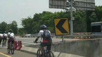 Polisi Sedang Identifikasi Rombongan Pesepeda Masuk Tol Jagorawi
