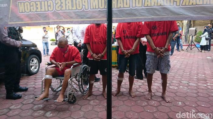 4 Pelaku pencurian mobil di Cilegon, Banten.