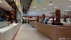 Sedih, 200 Pegawai Restoran di Mal Kena Pecat