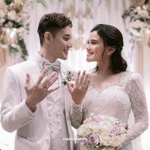 Foto: Inspirasi Pernikahan Audi Marissa & Anthony Xie yang Serba Putih