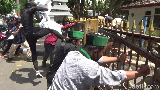 Demo Puluhan Mahasiswa dan Pemuda di Kantor Bupati Lumajang Sempat Ricuh