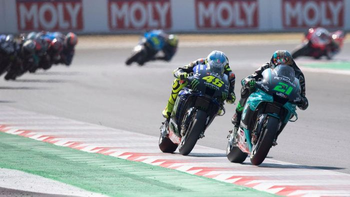 MISANO ADRIATICO, ITALY - SEPTEMBER 13: Franco Morbidelli of Italy and Petronas Yamaha SRT  leads Valentino Rossi of Italy and Monster Energy Yamaha MotoGP Team during the MotoGP Race during the MotoGP Of San Marino - Race at Misano World Circuit on September 13, 2020 in Misano Adriatico, Italy. (Photo by Mirco Lazzari gp/Getty Images)