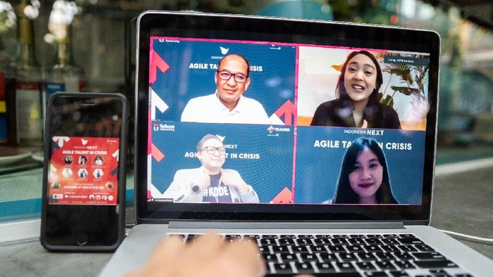 Melalui IndonesiaNEXT, Telkomsel berupaya untuk terus mencetak Sumber Daya Manusia (SDM) berkualitas alias bukan kaleng-kaleng.